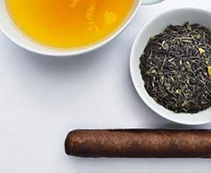 Zigarren und Darjeeling First Flush Tee