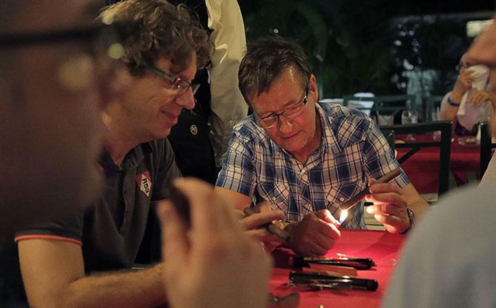 Leserreise: Begrüßung & Zigarrenplausch