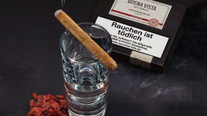 Buena Vista Araperique Cigarros trifft Rotsandelholz-Geist