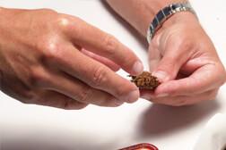 Flake-Tabak zusammendrücken